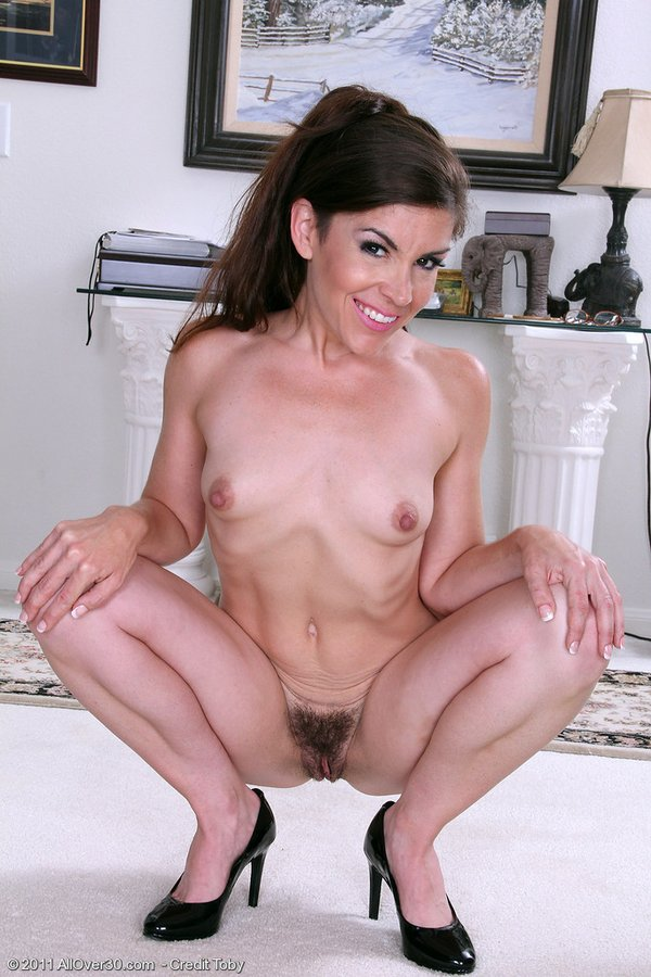 Sexy mature brunetts thumbs gallery