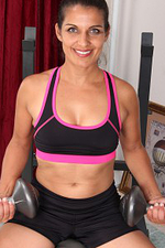 Beautiful 41 Year Old Saffron Leblanc Working out Her Body and Box