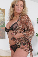 Kinky 51 Year Old Karen Summer Opens Up Open Her Older Box
