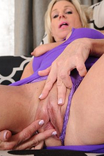 55 Year Old Payton Hall from Onlyover30 Frigging Her Older Pussy