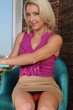 Tight Bodied Blond Haired Milf Laura Bently Takes a Bare Break from Work