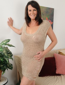 Older Babe  Wifey Sterling from  Onlyover30 Putting on a  Nude Show