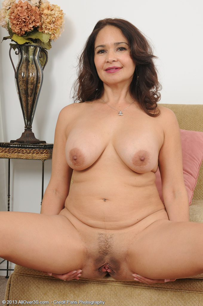 brown haired milf pussy
