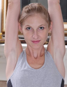 Skinny  Mom Beyla Opens Up Her Muscles and Her Hairless Vagina