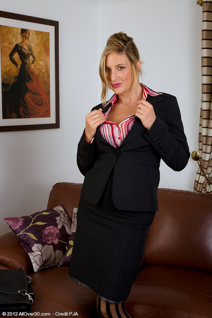 Big-chested  Blond Haired Jenny Badeau Tucks Her  Older Babe Cootchie with Her Dildo