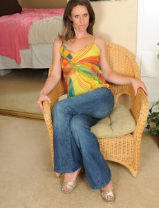 Long Legged Milf Whitney S  Opens Her Cookie and Toes for You