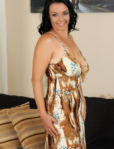 Brown Haired 35 Year Old Leona Sweet from  Onlyover30 Opens Her Gams Broad