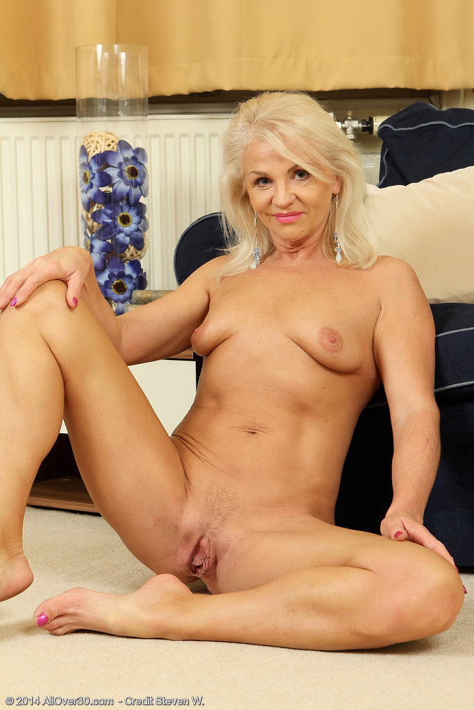image Fuck hot mature with sexy body