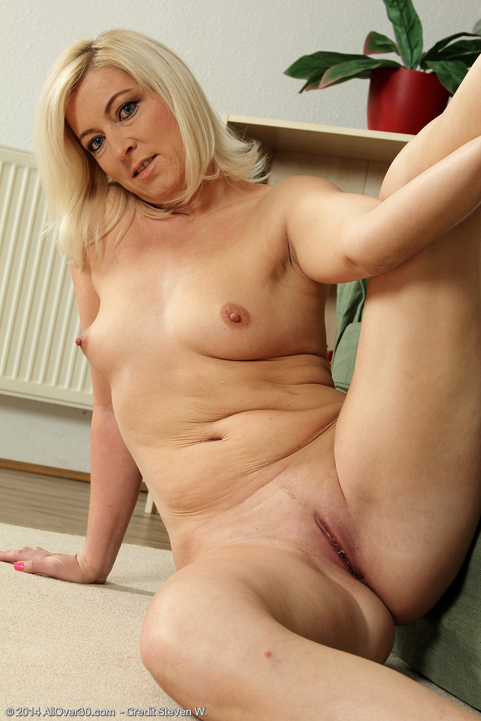 image Milf savannah fyre is on fire