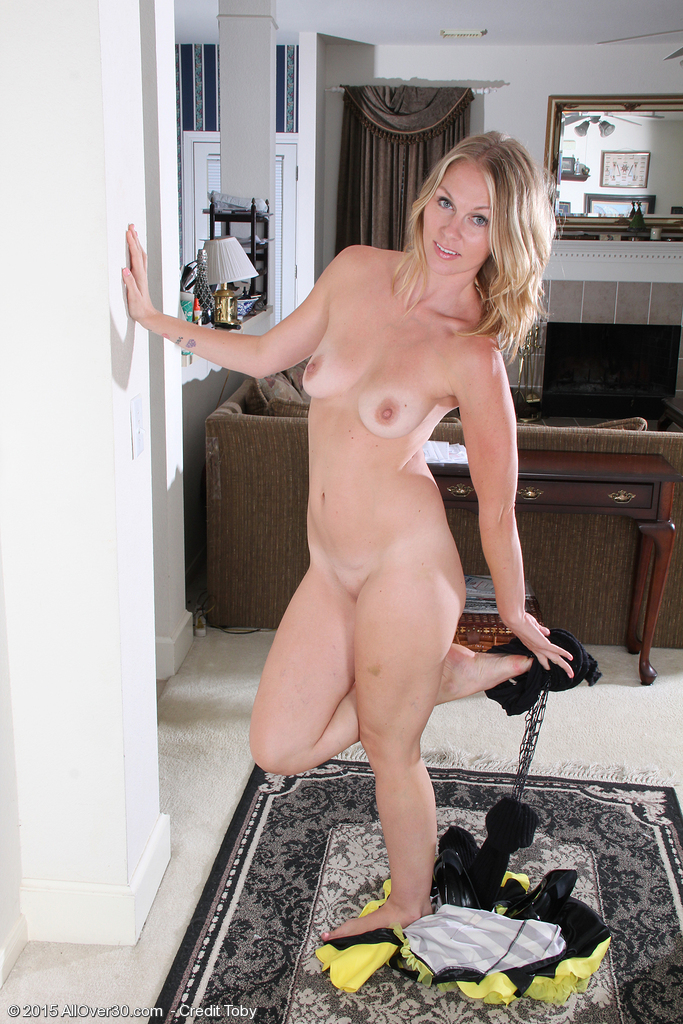 50 year old milf gets gangbanged by black guys for an hour 2