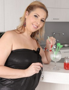 Lewd  Big Breasted Daria Glower Mixes Up Some Cocktails in the Nude to Luxurious off