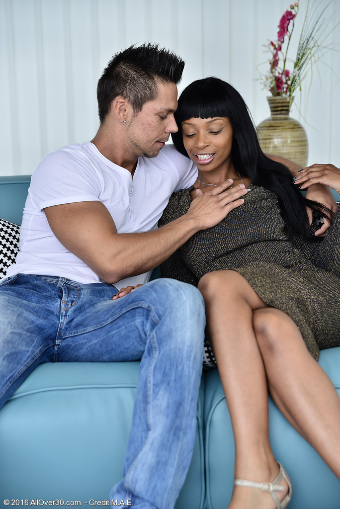 Beautiful Black Babe Lola Marie Acquires Her Labia Torn Up