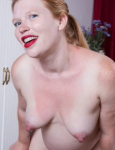 Fucking hot pregnant redhead unshaved smile
