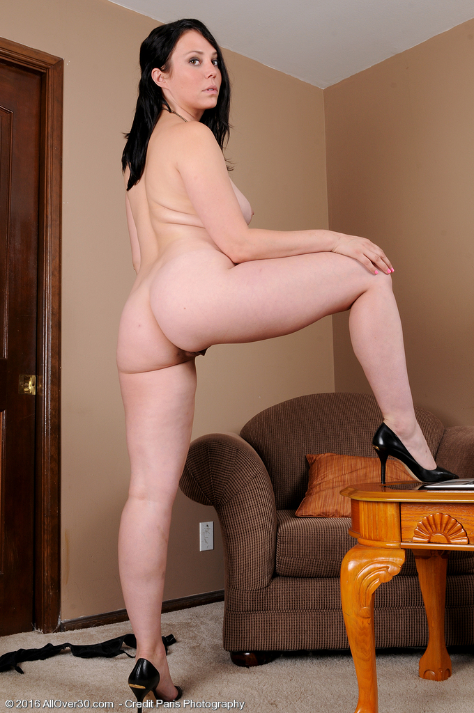 nude mature bent over
